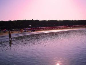 foto di tramonto, tramonto Tramonto Rosa – Spiaggia  di Follonica (GR)