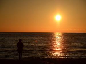foto di tramonto, tramonto Salutando il 2012 al tramonto da Latina