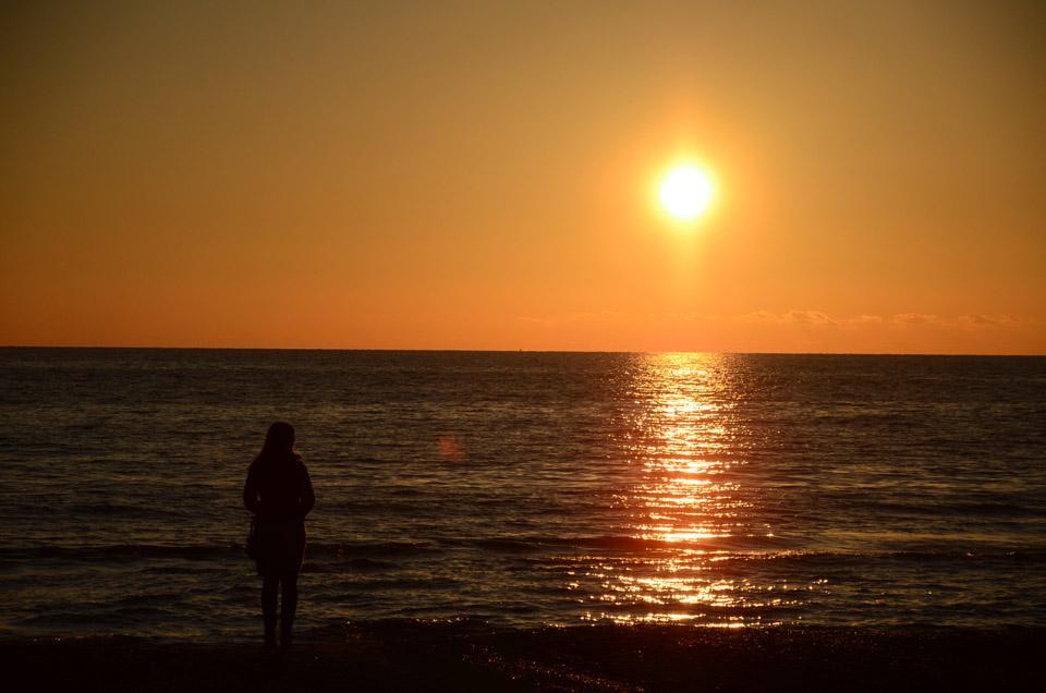 ultimo tramonto sul mare del 2012 foto di tramonti