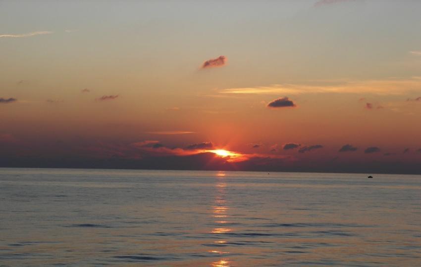 tramonto la calma del tramonto foto di tramonto sul mare