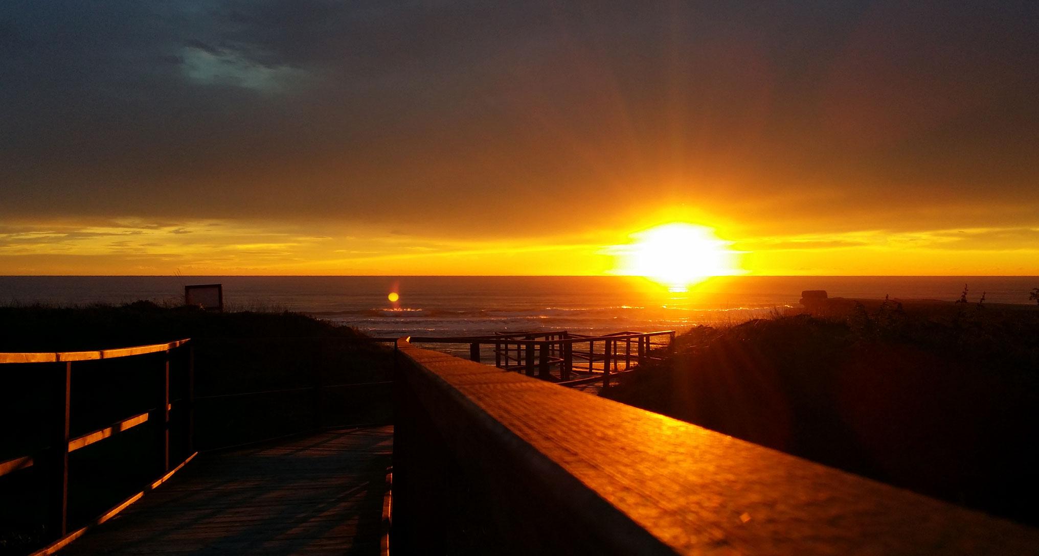 Tramonto sul mare a Sabaudia foto di tramonti sul mare un tramonto sulle dune a Sabaudia latina foto di tramonto mare al tramonto immagini di tramonti bellissimi immagine di un tramonto a sabaudia tramonti scattati sul mare