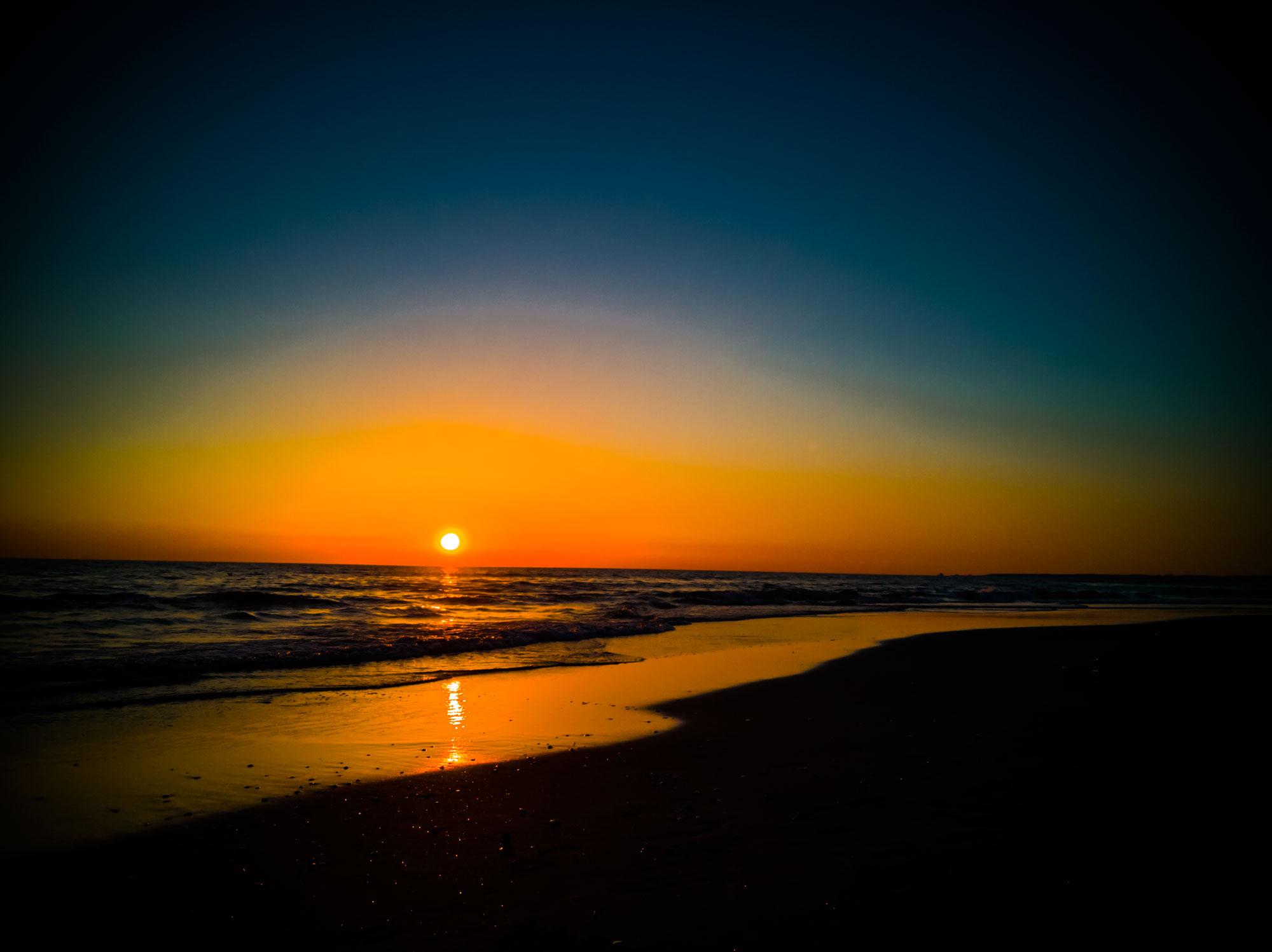 Tramonto Lido di Latina foto al tramonto immagini di tramonto foto di tramonti sul mare mare al tramonto tramonti onde del mare al tramonto colori al tramonto